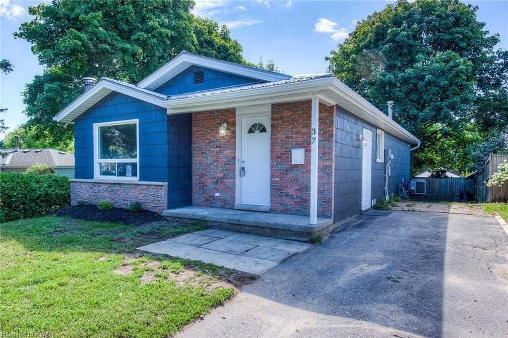 Townhouse for sale at 37 Blackhorne Cres Kitchener Ontario - MLS: 30827874