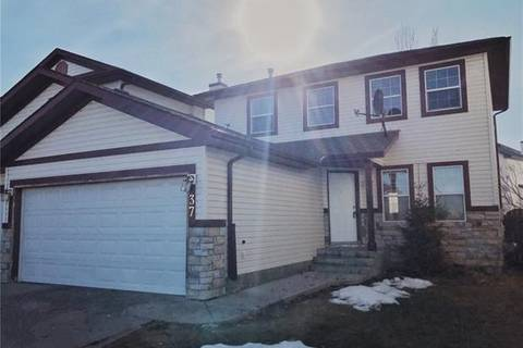 Townhouse for sale at 37 Canoe Cs Southwest Airdrie Alberta - MLS: C4236204