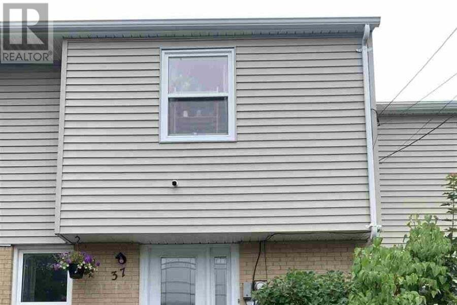 Townhouse for sale at 37 Circassion Dr Dartmouth Nova Scotia - MLS: 202015590