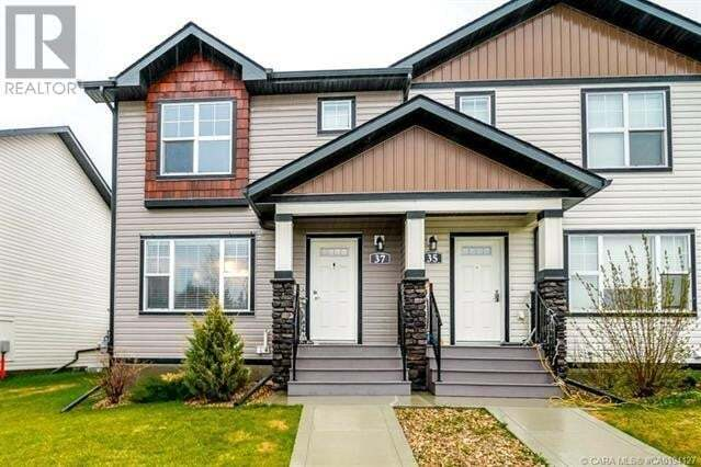 Townhouse for sale at 37 Crestview Blvd Sylvan Lake Alberta - MLS: ca0194127