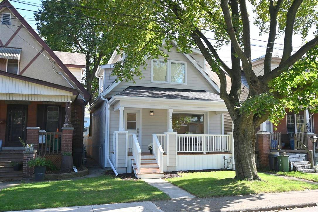 House for sale at 37 21st St East Hamilton Ontario - MLS: H4065542