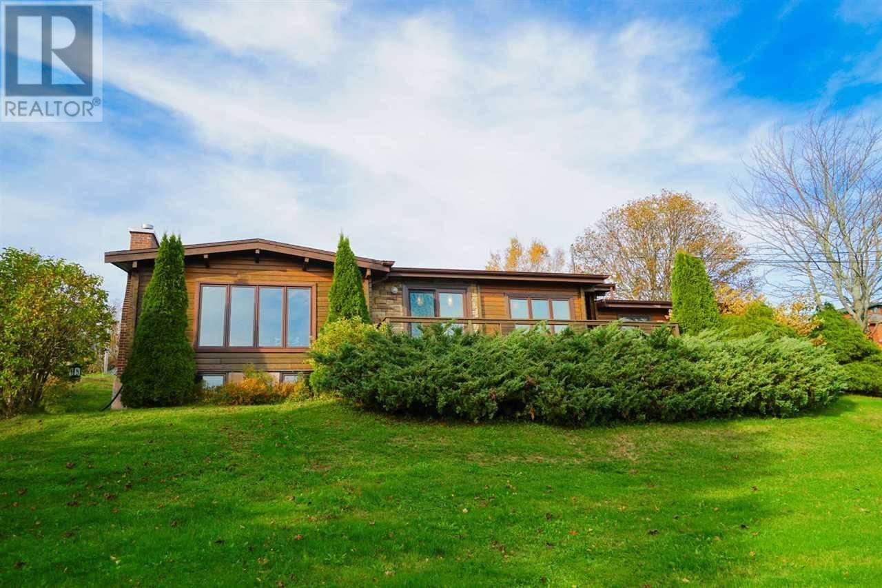 House for sale at 37 Edgehill Te Stratford Prince Edward Island - MLS: 201920230