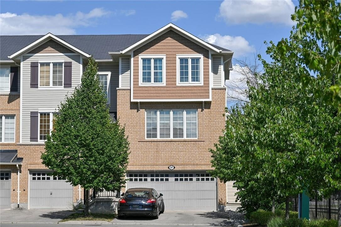 Townhouse for sale at 37 Hepworth Cres Ancaster Ontario - MLS: H4084483