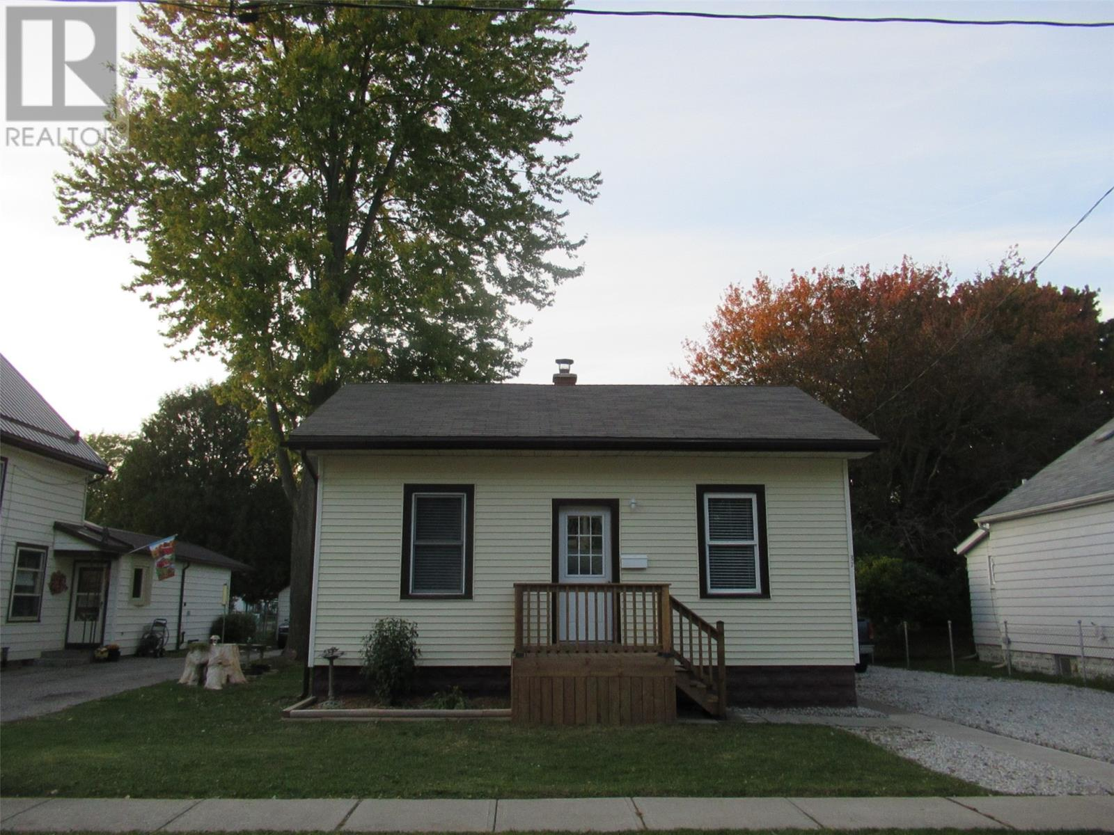 Removed: 37 Lowe Street, Chatham, ON - Removed on 2019-10-31 08:09:17