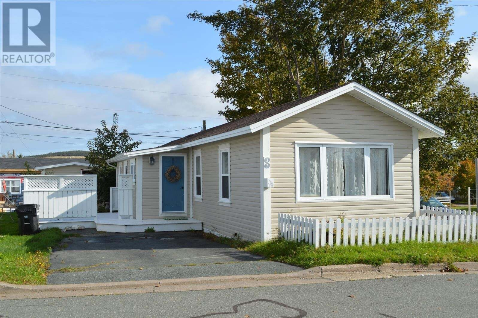 Residential property for sale at 37 Meadowbrook Park Rd St. John's Newfoundland - MLS: 1222551