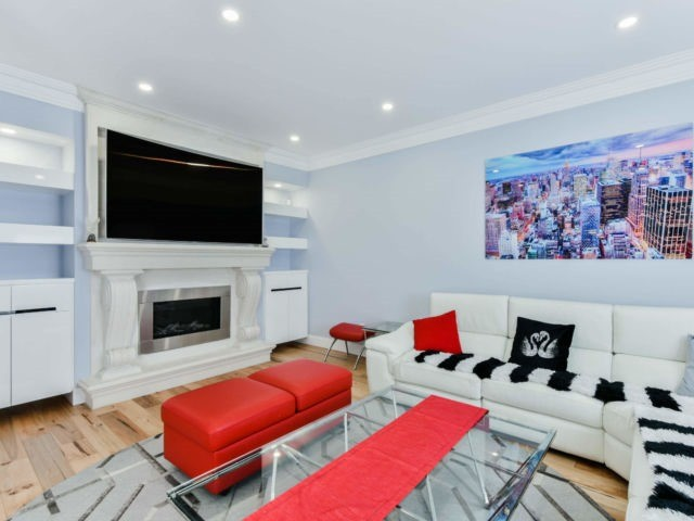 For Sale: 37 Watercliff Place, Hamilton, ON | 4 Bed, 4 Bath House for $1,049,000. See 20 photos!