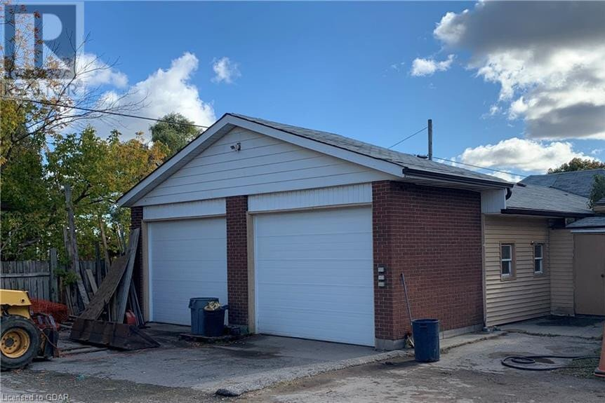 Residential property for sale at 37 Wells St Guelph Ontario - MLS: 40035504