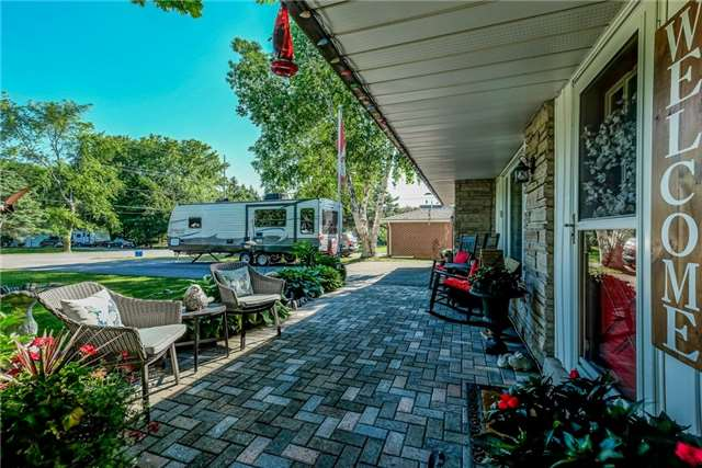 For Sale: 37 Young Street, Uxbridge, ON   3 Bed, 2 Bath House for $949,900. See 20 photos!