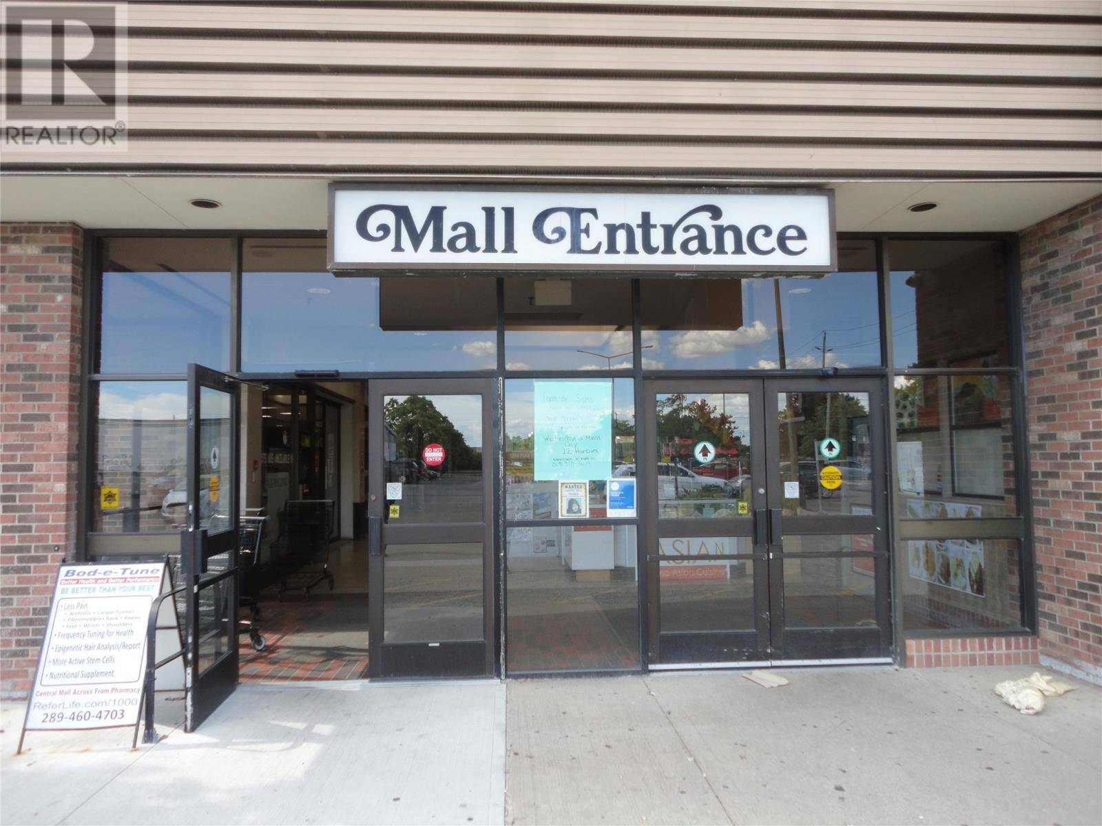 Commercial property for lease at 3707 Tecumseh Rd East Windsor Ontario - MLS: 18005046
