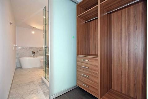 Apartment for rent at 488 University Ave Unit 3708 Toronto Ontario - MLS: C4664377