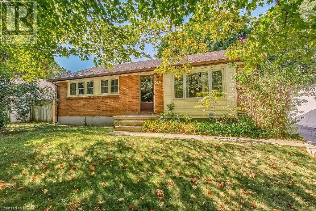 House for sale at 371 Griffith St London Ontario - MLS: 222905