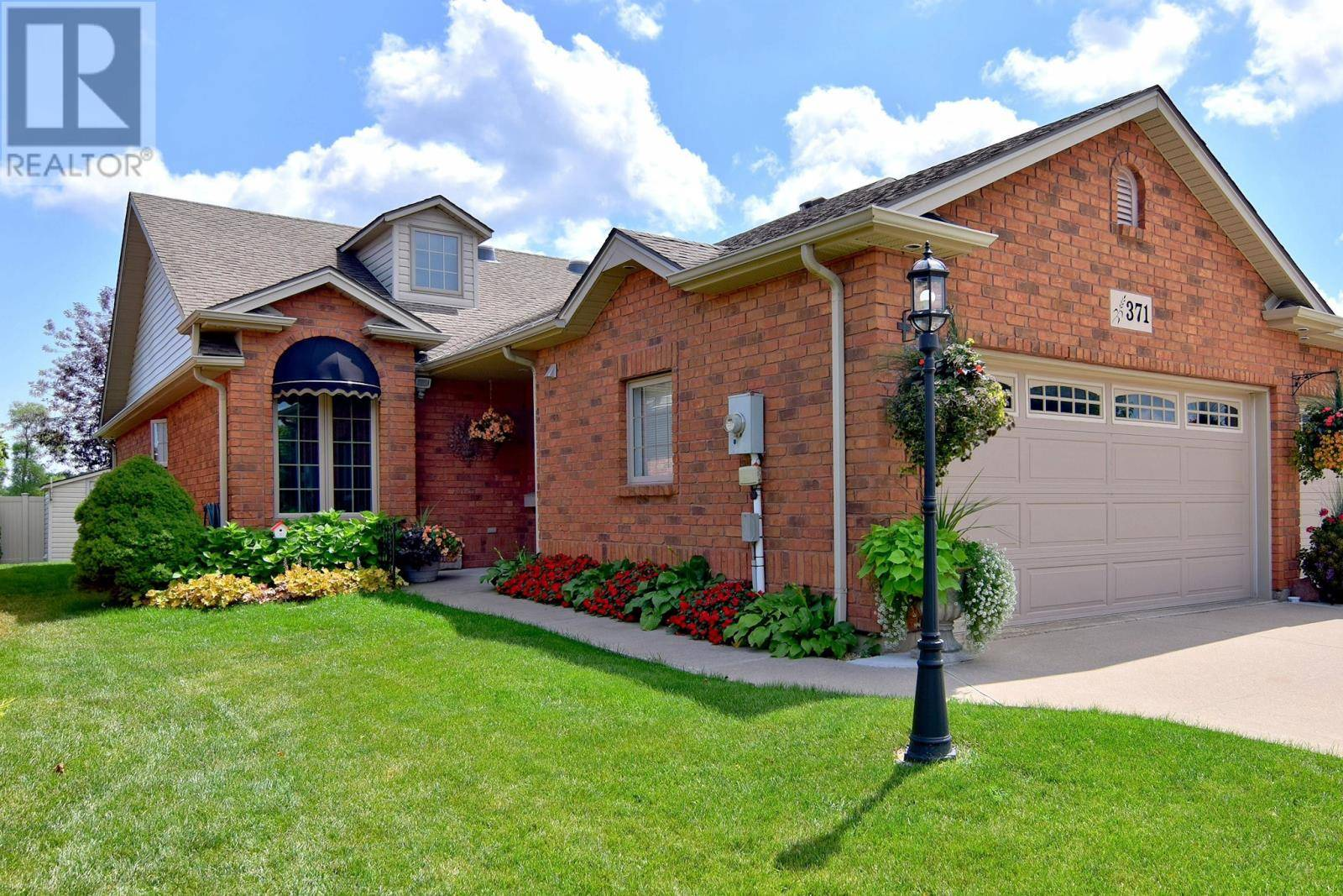 Townhouse for sale at 371 Lenore St Belle River Ontario - MLS: 19023309