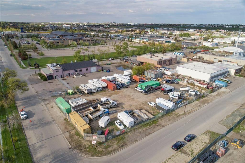 Home for sale at 3710 2 St Ne Greenview Industrial Park, Calgary Alberta - MLS: C4244870
