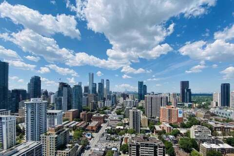 3712 - 85 Wood Street, Toronto   Image 1