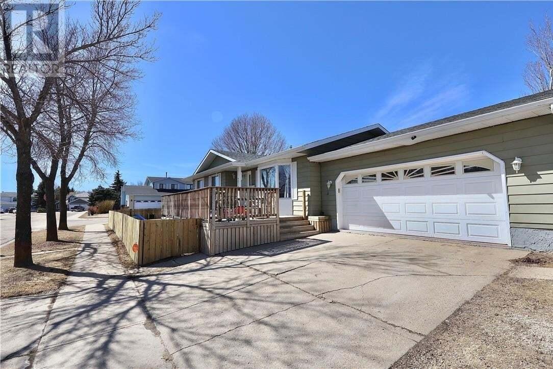 House for sale at 3718 63 St Camrose Alberta - MLS: ca0192689