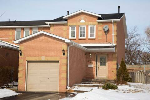 Townhouse for sale at 372 Bristol Cres Oshawa Ontario - MLS: E4375840