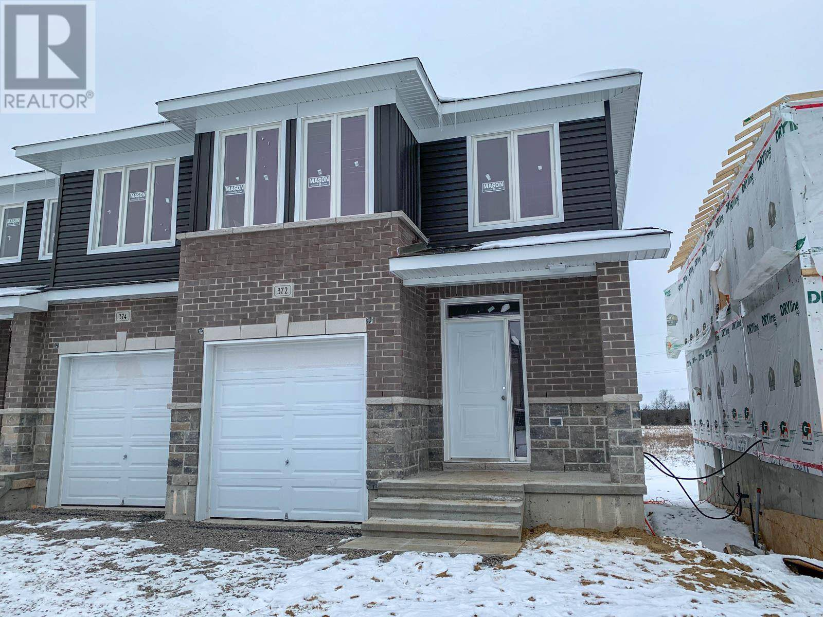 Townhouse for sale at 372 Buckthorn Dr Kingston Ontario - MLS: K20000406