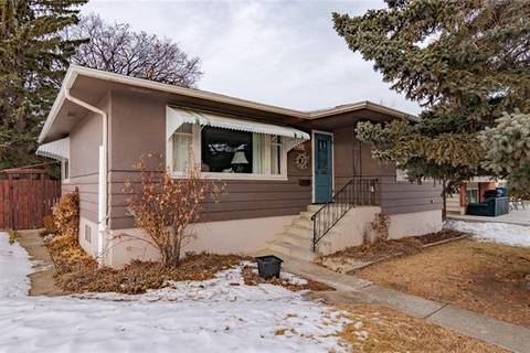 House for sale at 3723 15a St Southwest Calgary Alberta - MLS: C4282500