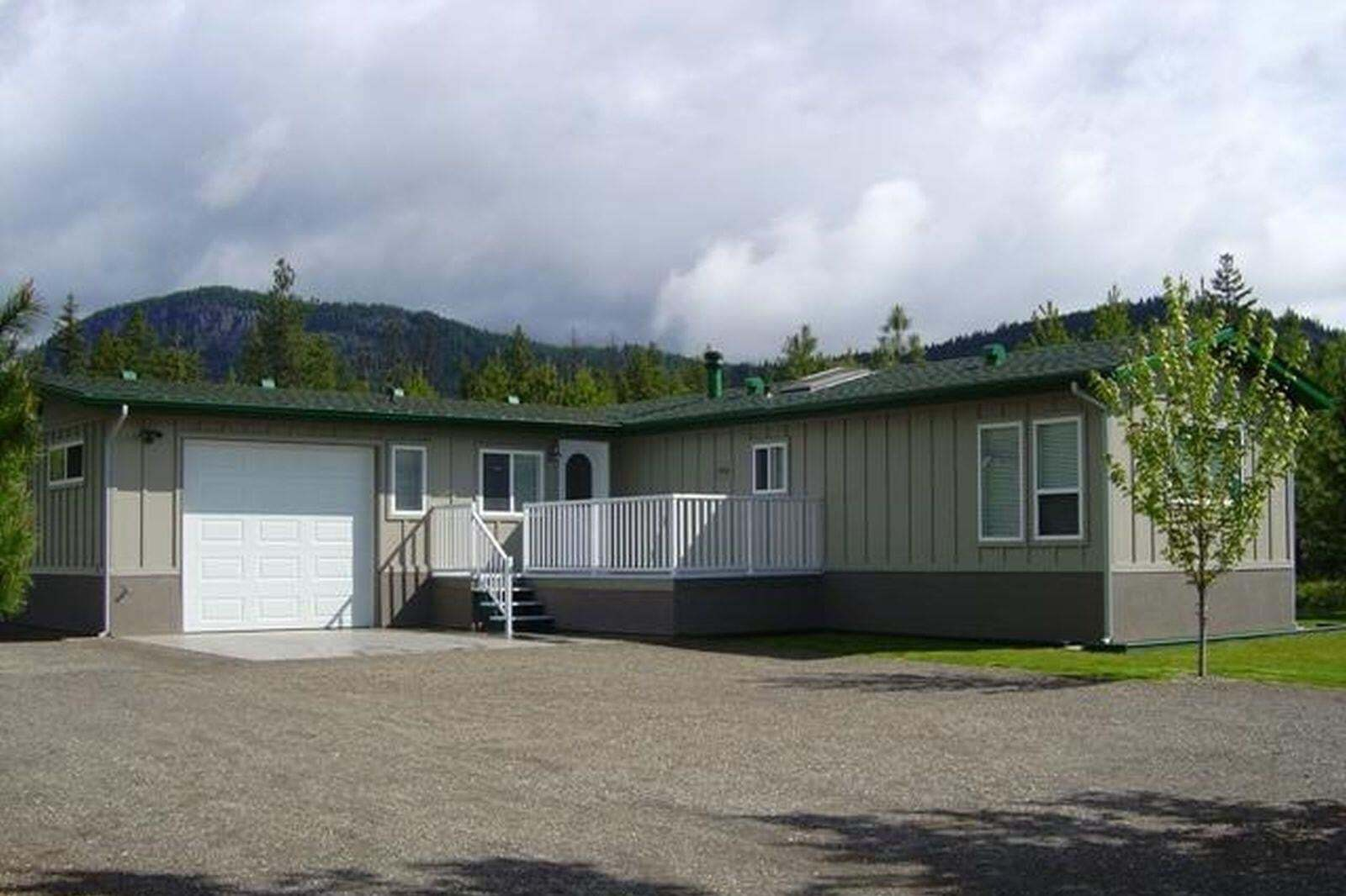 House for sale at 3723 Ancient Creek Ln Scotch Creek British Columbia - MLS: 10217354