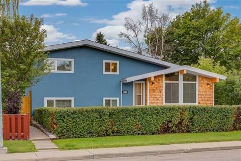 House for sale at 373 Capri Ave Northwest Calgary Alberta - MLS: C4267916