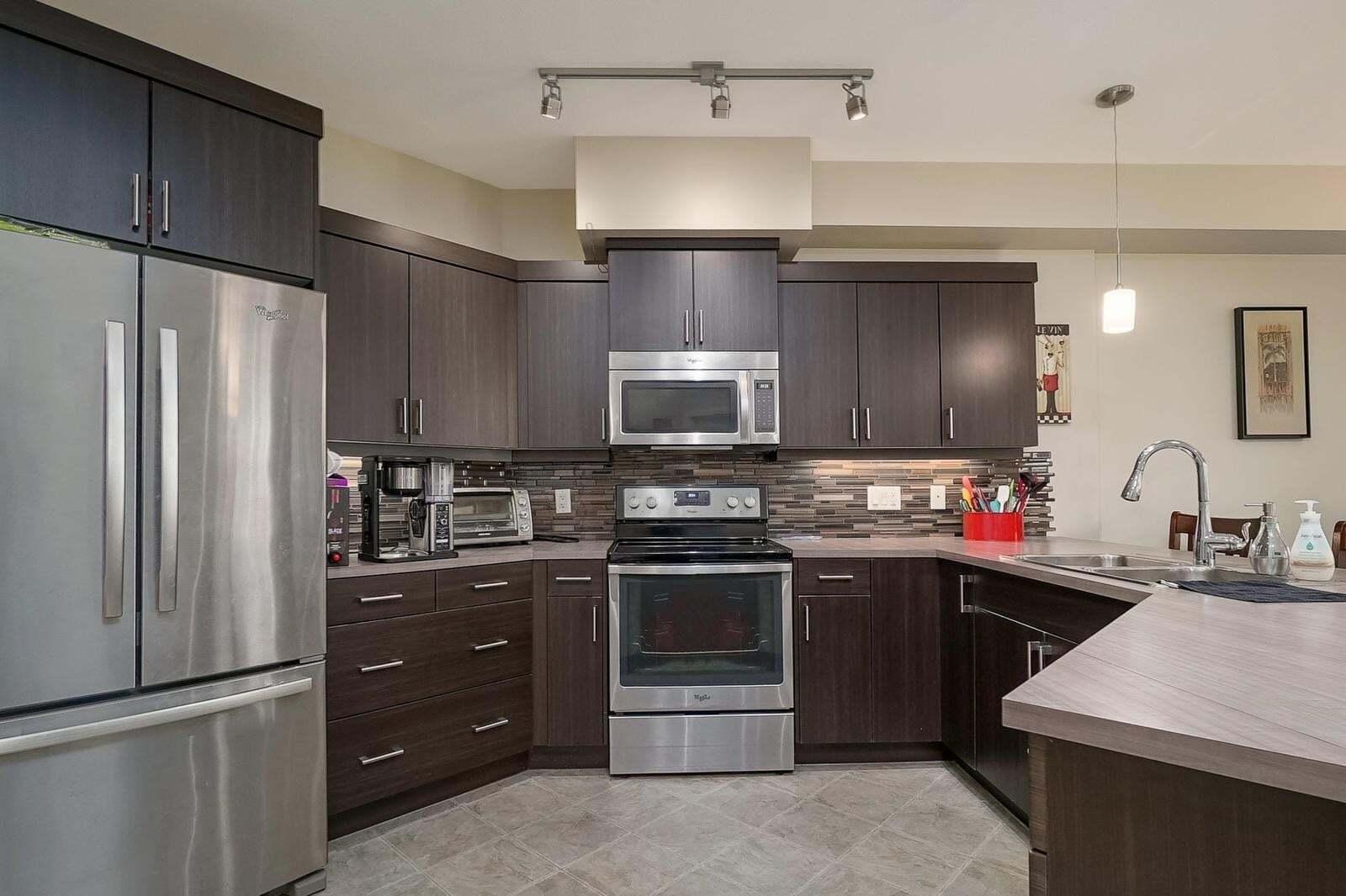 Condo for sale at 3733 Casorso Rd Kelowna British Columbia - MLS: 10215580