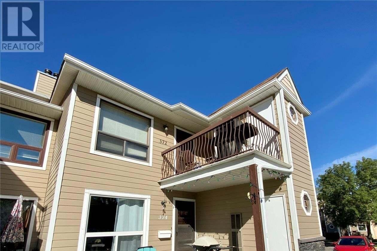 Townhouse for sale at 374 Cedar Meadow Dr Regina Saskatchewan - MLS: SK827111