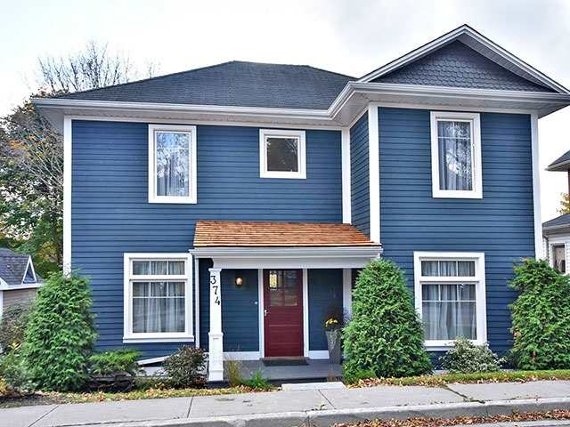 For Sale: 374 Timothy Street, Newmarket, ON | 3 Bed, 2 Bath House for $938,000. See 20 photos!