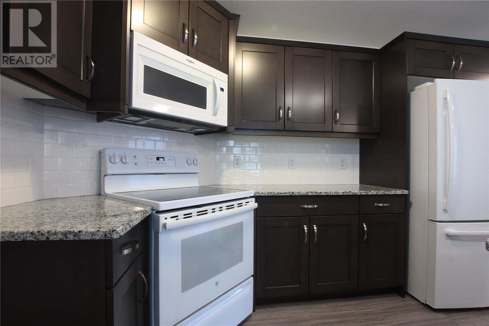 Townhouse for sale at 374 Wascana St Regina Saskatchewan - MLS: SK827389