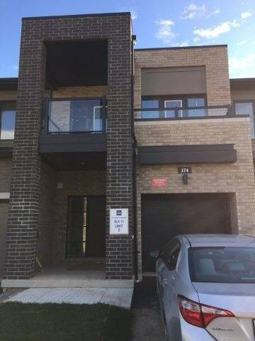 Townhouse for rent at 374 Wheat Boom Dr Oakville Ontario - MLS: W4577678
