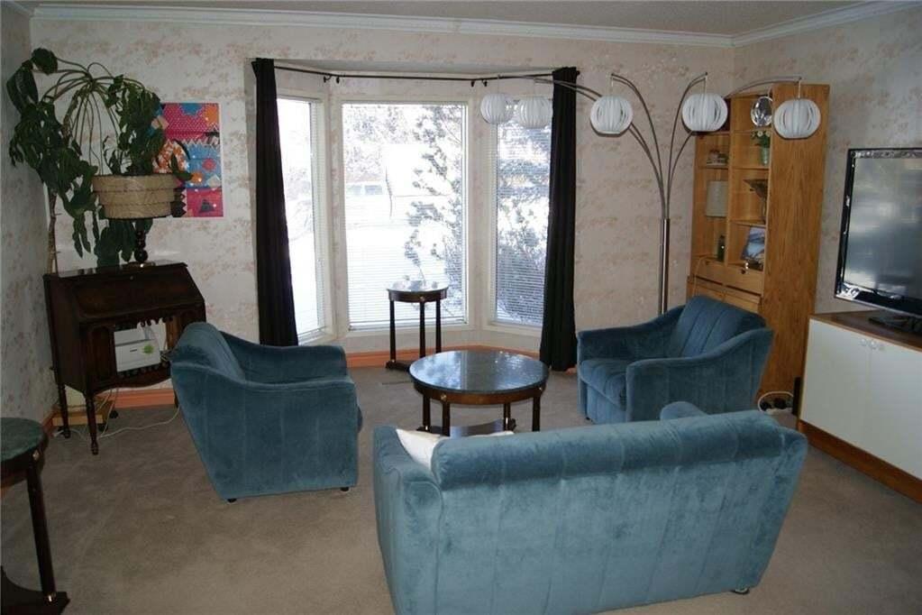 Townhouse for sale at 3742 Cedarille Dr SW Cedarbrae, Calgary Alberta - MLS: C4289950