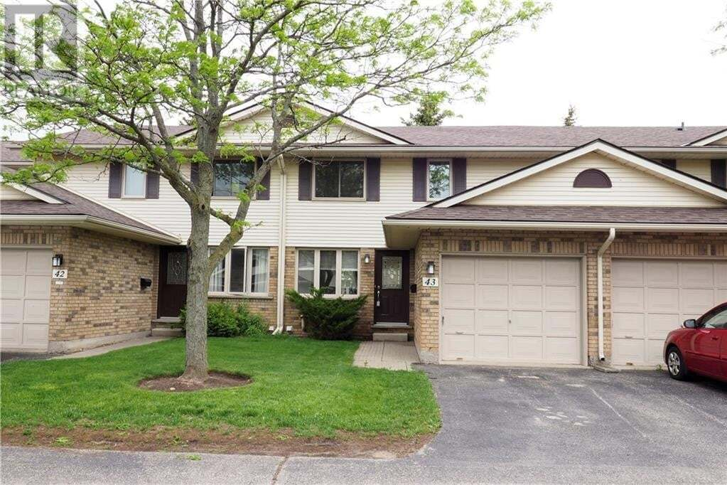 Townhouse for sale at 375 Kingscourt Dr Waterloo Ontario - MLS: 30811151