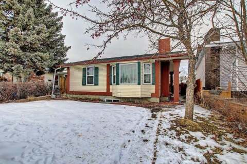 House for sale at 376 Whiteside Rd NE Calgary Alberta - MLS: A1023600