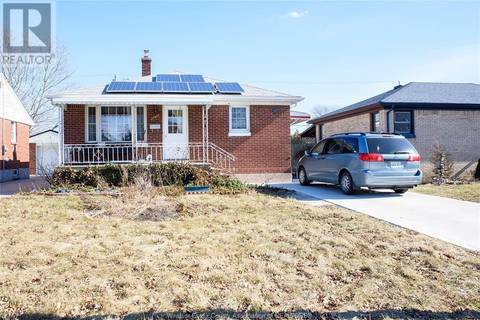 House for sale at 3761 Hillcrest  Windsor Ontario - MLS: 19016612