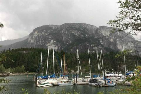 Residential property for sale at 37916 Fifth Ave Squamish British Columbia - MLS: C8020112