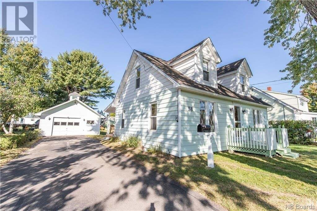 House for sale at 38 Carman Ave Fredericton New Brunswick - MLS: NB049787