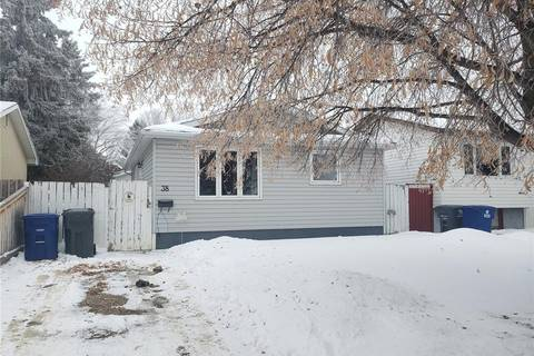 House for sale at 38 Dominion Cres Saskatoon Saskatchewan - MLS: SK797921