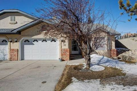 Townhouse for sale at 38 Edenwold Green Northwest Calgary Alberta - MLS: C4292343