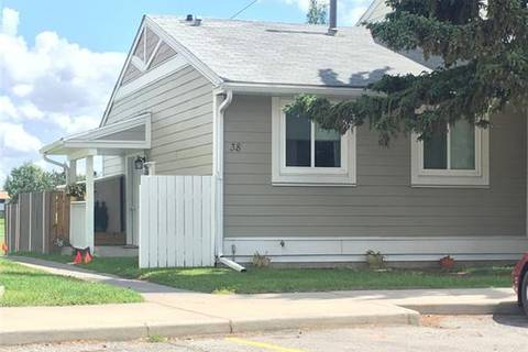 Townhouse for sale at 38 Georgian Villa(s) Northeast Calgary Alberta - MLS: C4255475