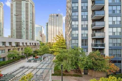 Condo for sale at 38 Hollywood Ave Toronto Ontario - MLS: C4925815