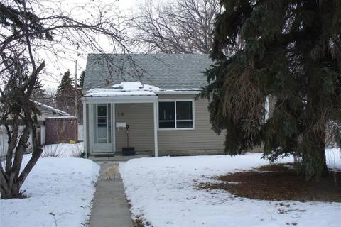 House for sale at 38 Merritt Cres Regina Saskatchewan - MLS: SK799335