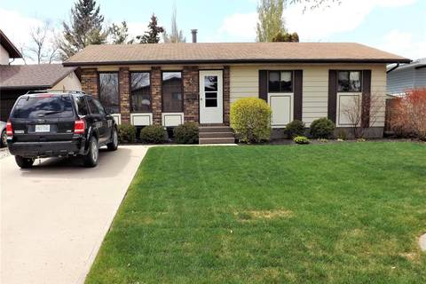 House for sale at 38 Rendek Cres Regina Saskatchewan - MLS: SK770490