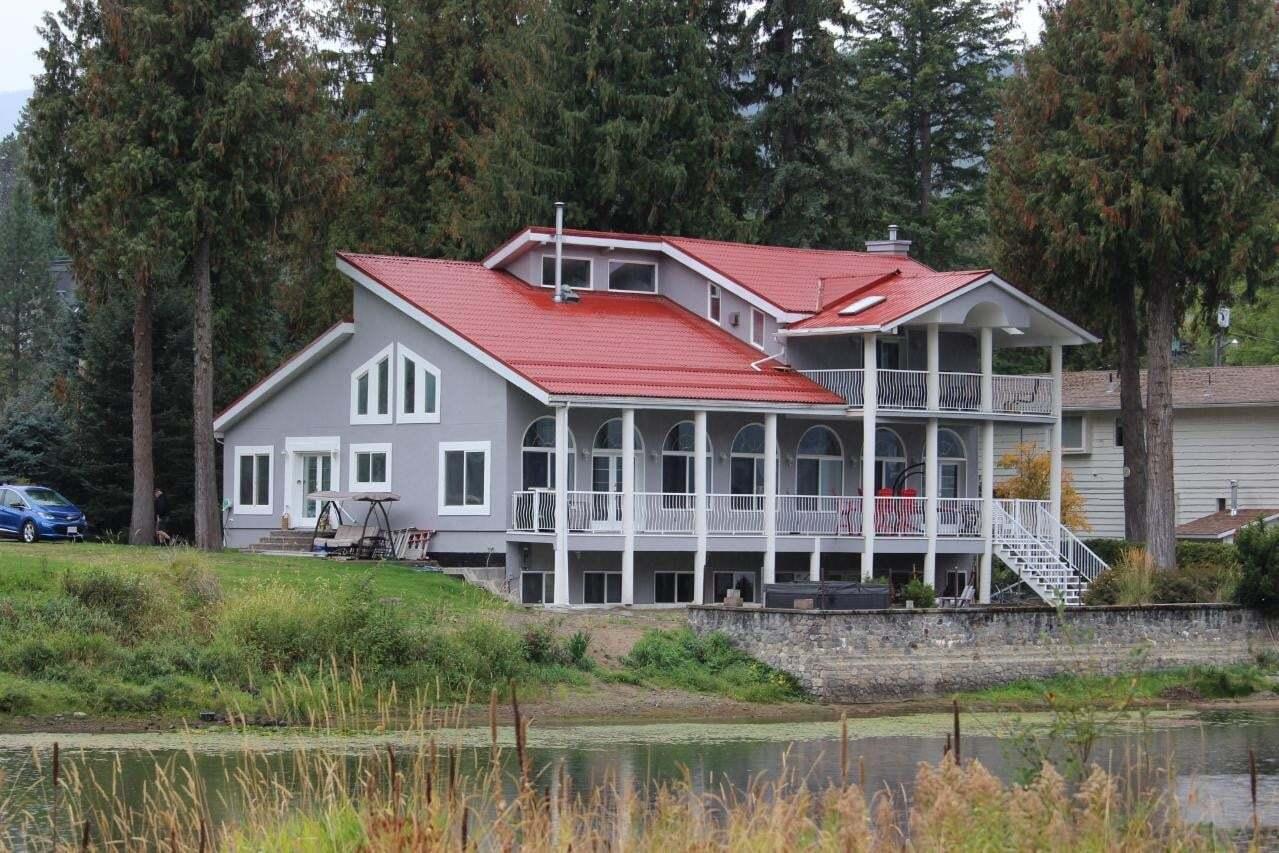 House for sale at 38 Sandner Rd Christina Lake British Columbia - MLS: 2454565