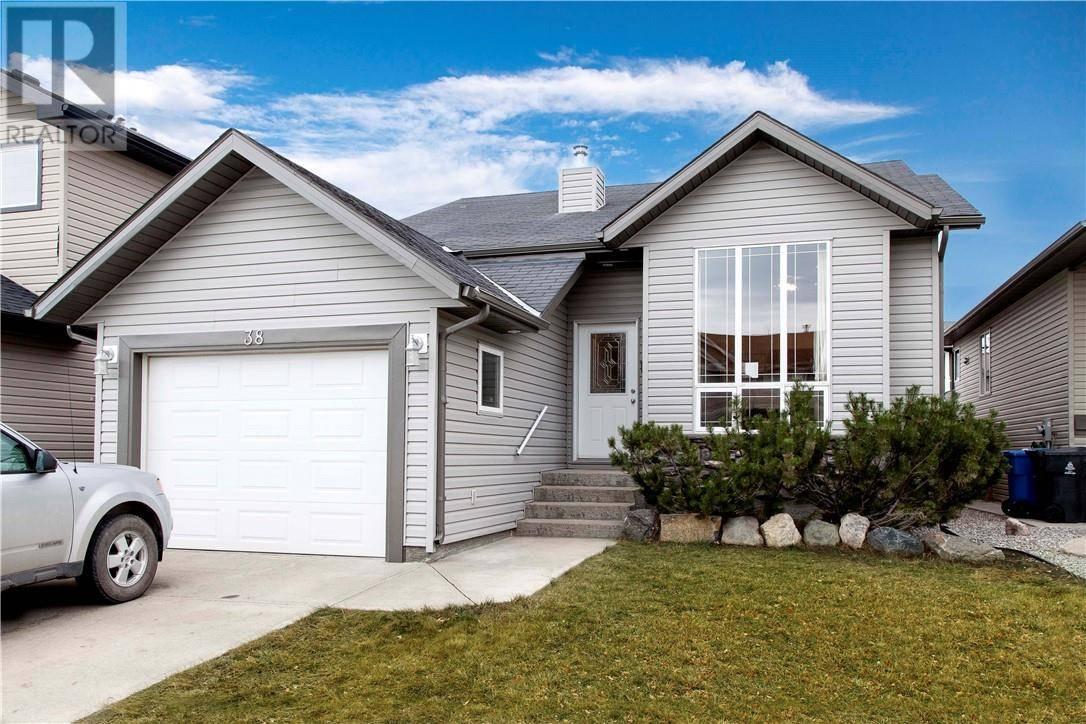 House for sale at 38 Tartan Blvd W Lethbridge Alberta - MLS: ld0183527