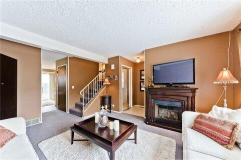 Townhouse for sale at 380 Bermuda Dr NW Calgary Alberta - MLS: C4299163