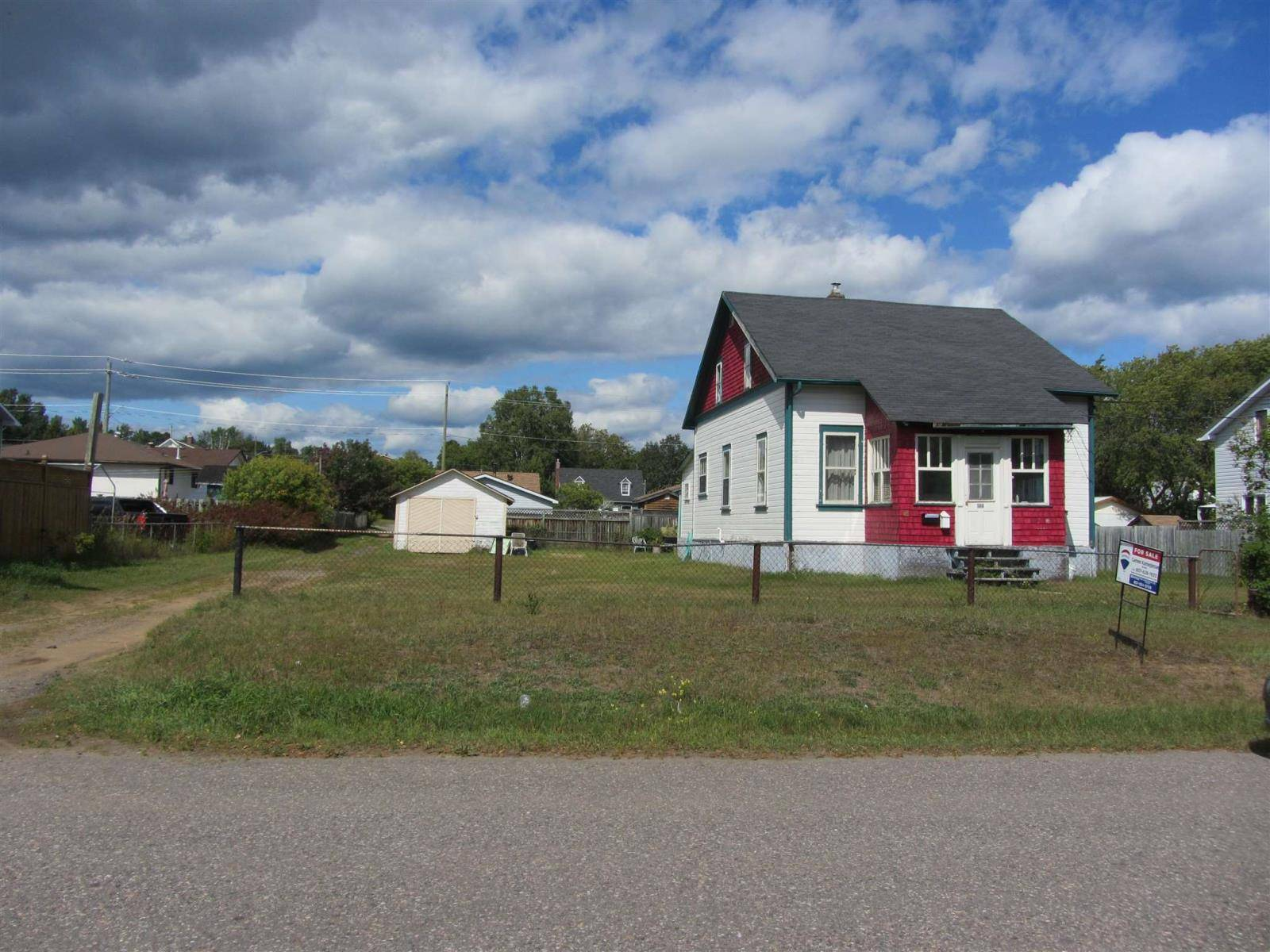 Residential property for sale at 380 Dacre St Thunder Bay Ontario - MLS: TB192920