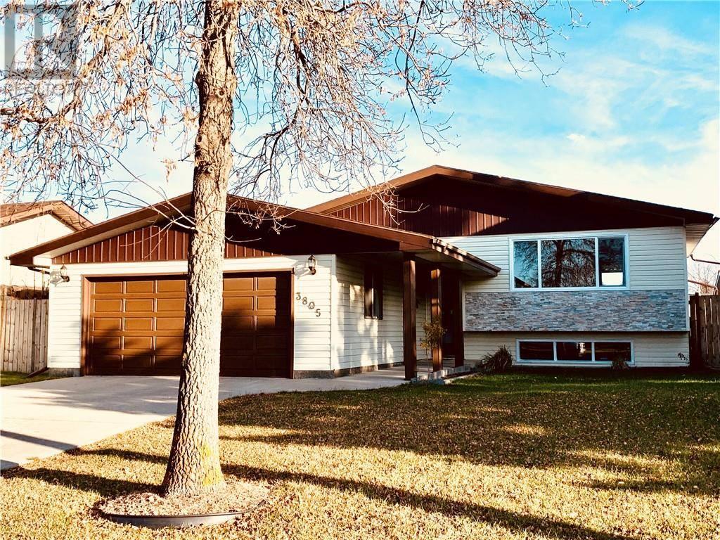 House for sale at 3805 67 St Camrose Alberta - MLS: ca0181539