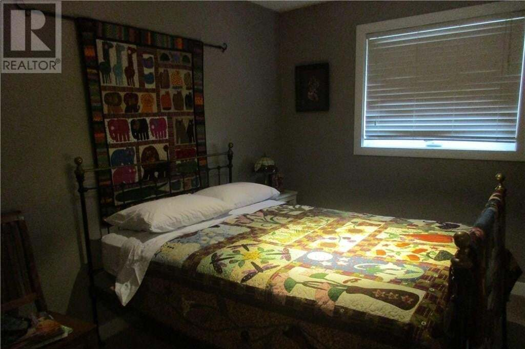 House for sale at 3806 65 St Stettler Alberta - MLS: ca0140065