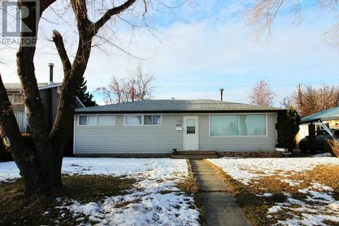 House for sale at 3814 58 Ave Red Deer Alberta - MLS: ca0159008