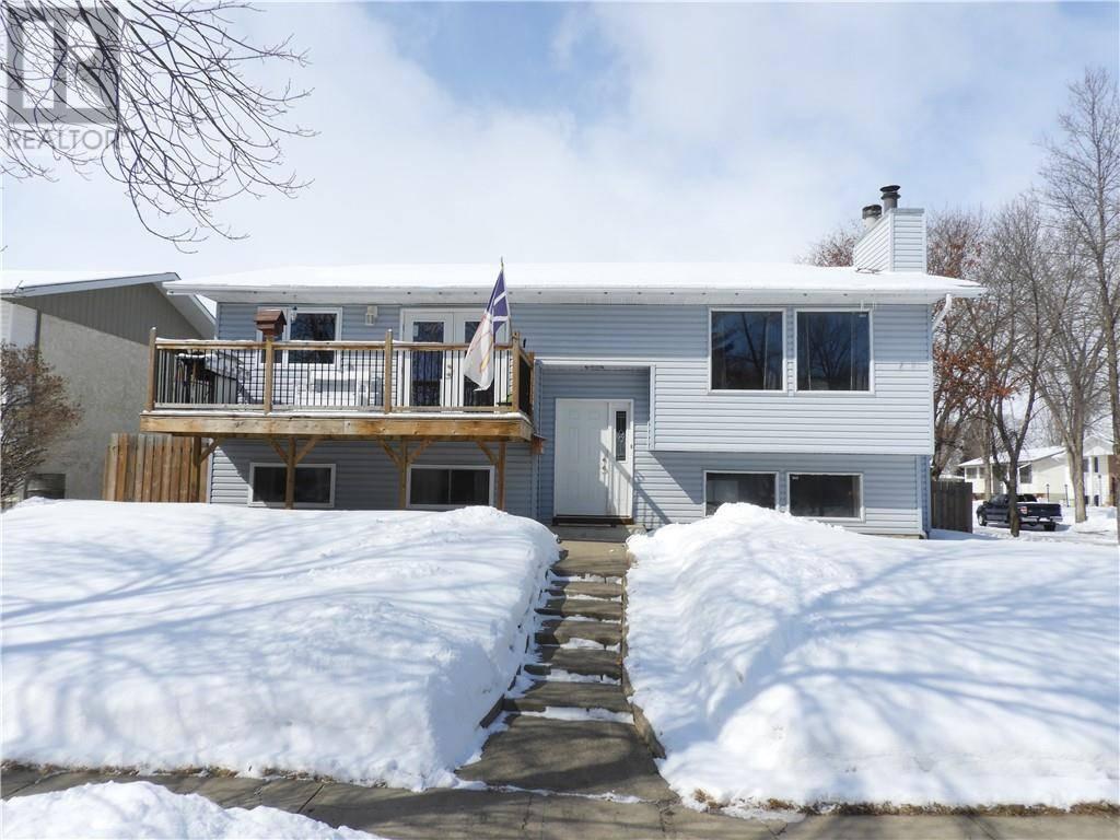 House for sale at 3814 62 St Camrose Alberta - MLS: ca0191615