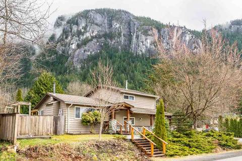 House for sale at 38140 Lombardy Cres Squamish British Columbia - MLS: R2349476